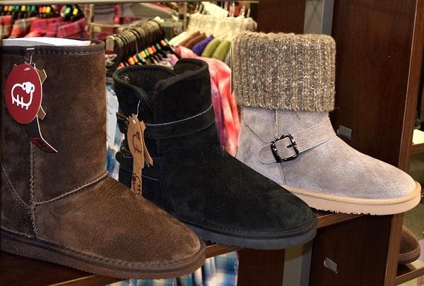 Womens Lam Boots.JPG